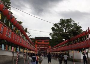 梅雨空の本宮祭