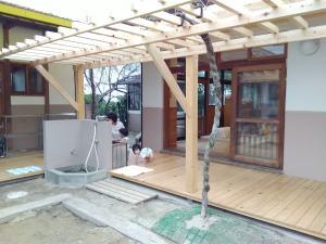 0歳児室の藤棚完成